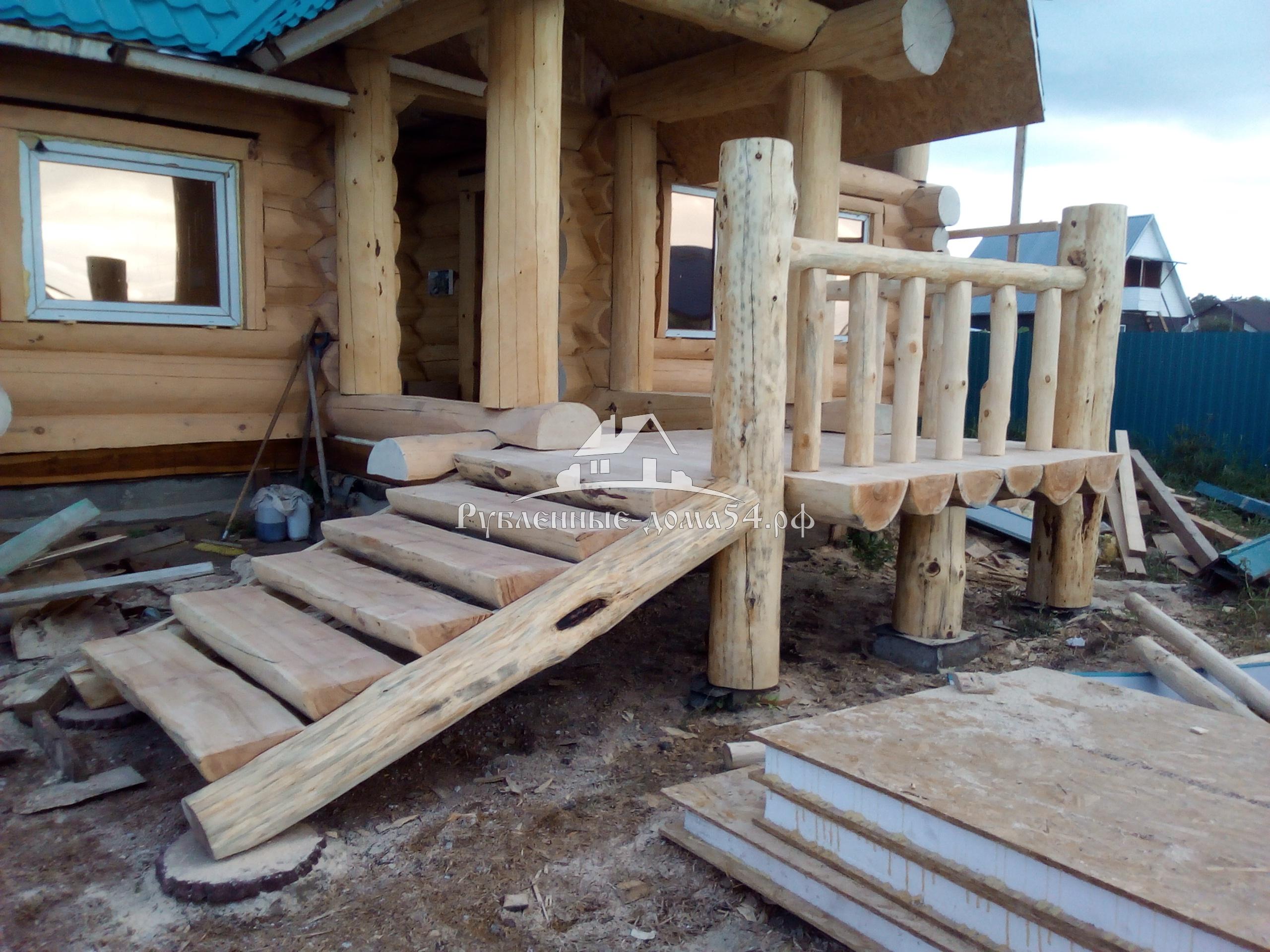 Как пристроить деревянное крыльцо к деревянному дому своими руками